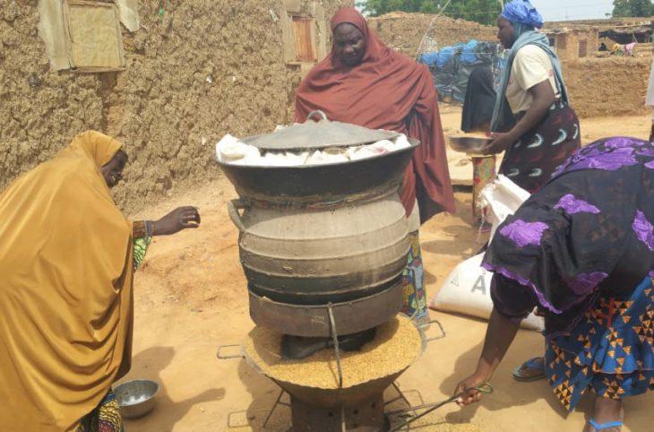 Promotion des fours à balles de riz par les jeunes  volontaires pour l'environnement (JVE) Niger