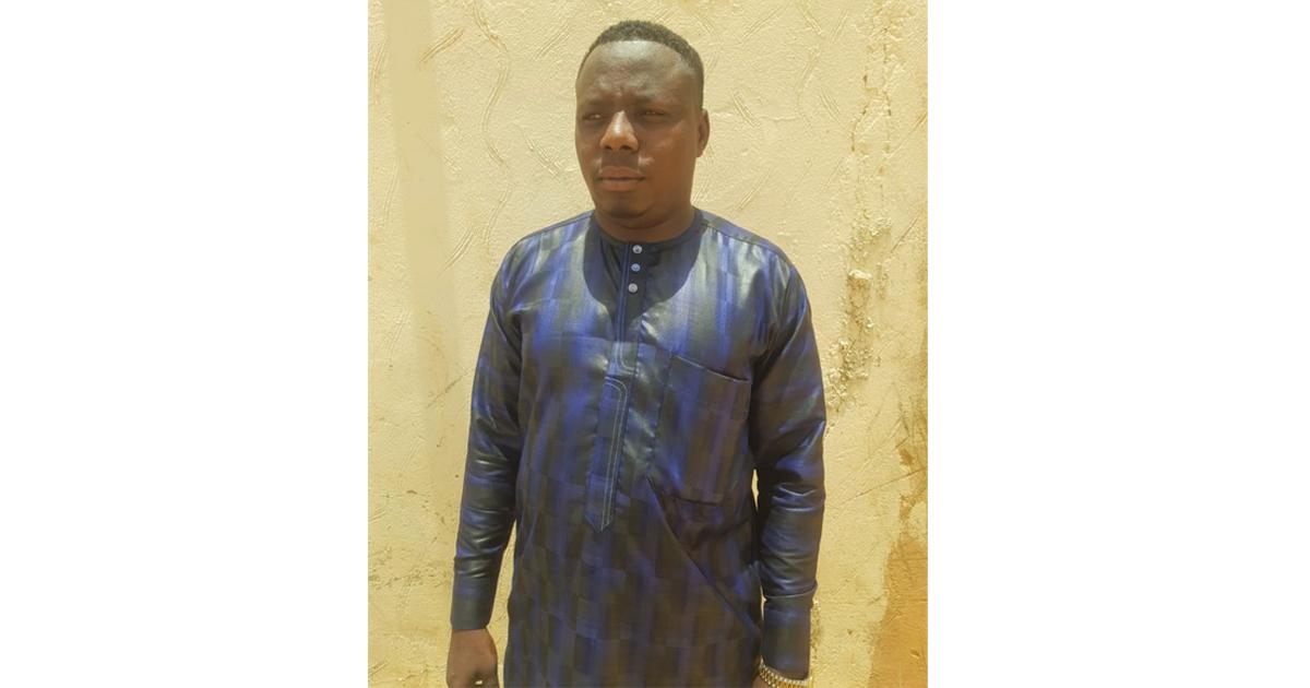Ibrahim Mohamed, un jeune couturier d'Agadez